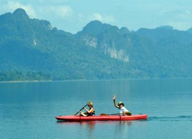 Kayaking Khao Sok Lake